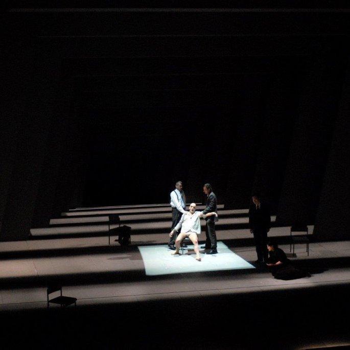 Bühnenbild-STAATSTHEATER-HANNOVER-Il-Prigioniero-Anne-Neuser