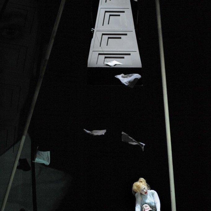 Bühnenbild-OPER-BONN-Der-Golem-Anne-Neuser1.jpg
